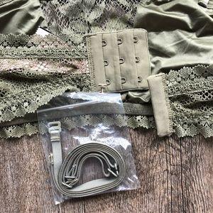 Victoria's Secret Intimates & Sleepwear - 2/$25 ❤️ Victoria's Secret Bandeau Bra with Straps